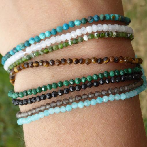 Bracelets fins en pierres facettées